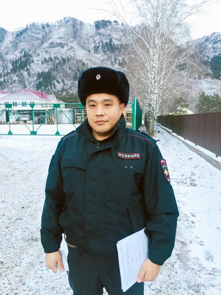 Участковый уполномоченный полиции Амыр Владимирович Кадыев